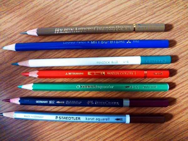 大人の塗り絵 色鉛筆種類